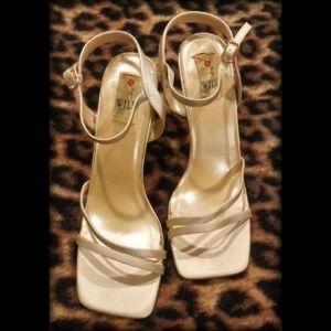 🍾 A Fabulous Pair of Wild Rose Heels 🍾